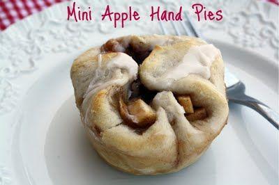 Mommy's Kitchen: Mini Hand Apple Pies