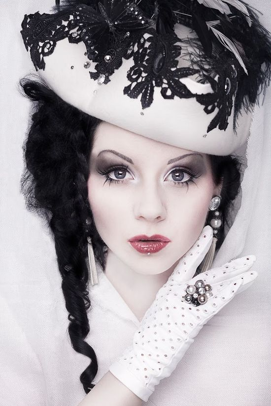 Ne-Victorian Fashion. Goth look
