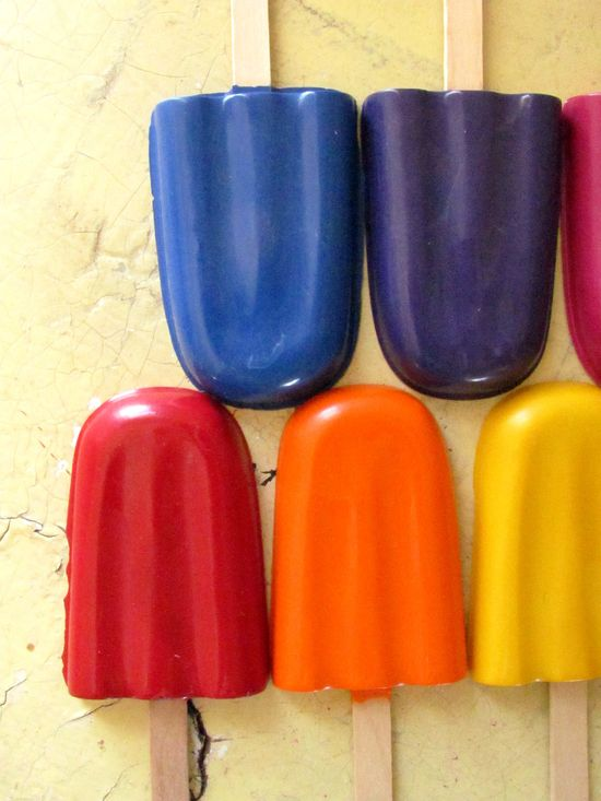 Make popsicle crayons from old crayon bits- a cute idea for Summer