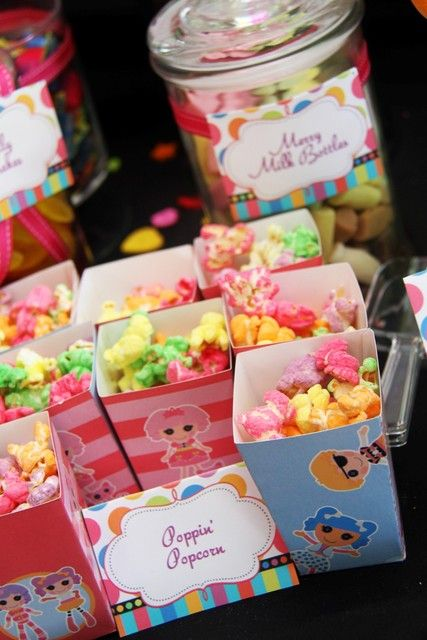 Popcorn at a Lalaloopsy Party #lalaloopsy #party #lalaloopsy #lalaloopsyparty #lalaloopsydecor #diy #birthdayparty #partydecor #birthday #party #decor #decorations