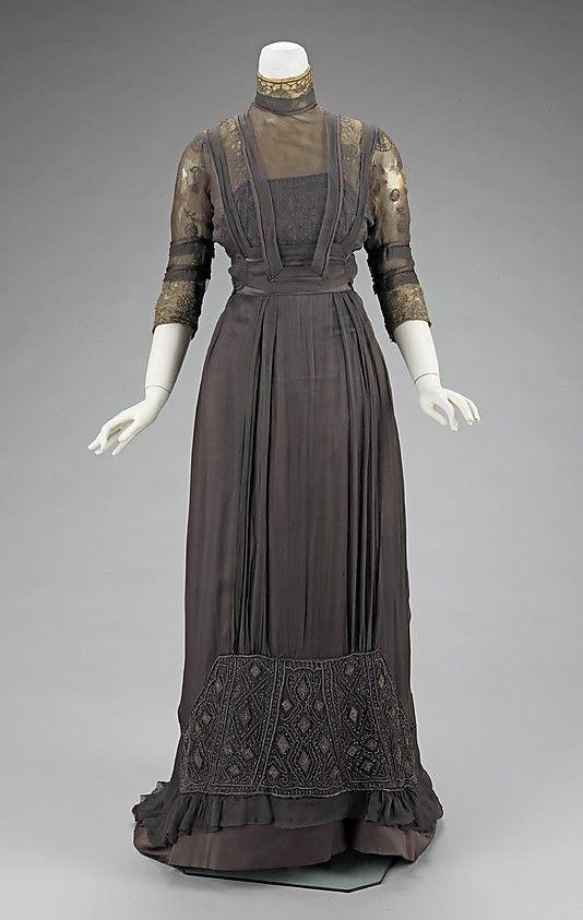 5-11-11  1909 dinner dress
