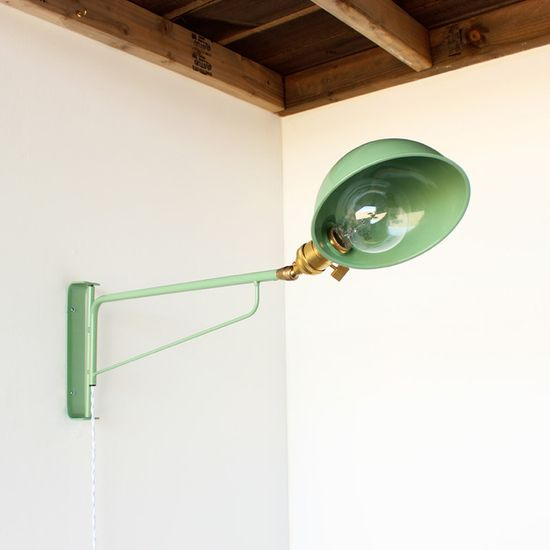 Industrial wall lamp in the perfect green.