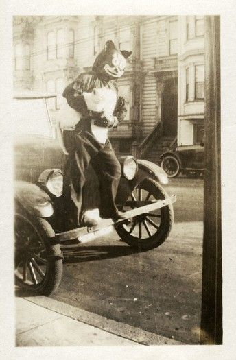 Found Objects: Halloween in the 1920s