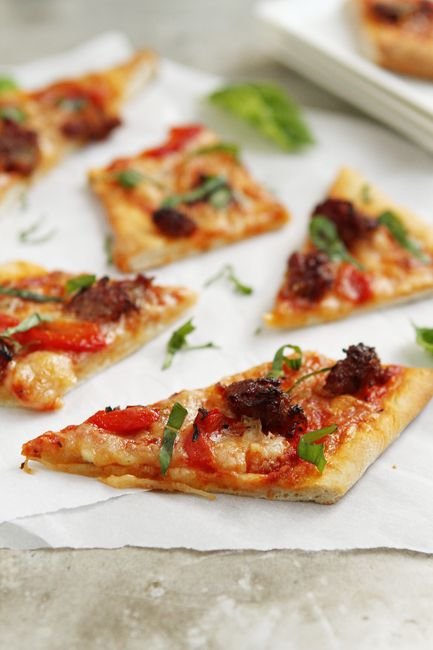 Grilled Pizza from @Jamie Wise Wise {My Baking Addiction} - I want to eat this for every meal.