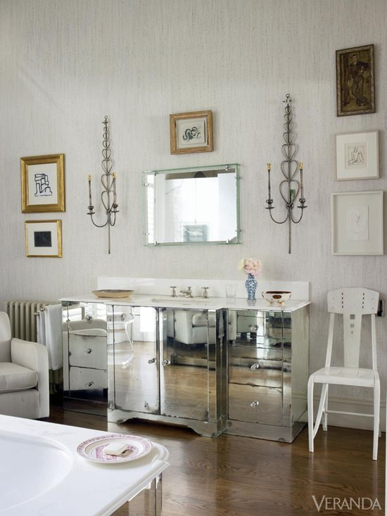 London apartment designed by Veere Grenney.