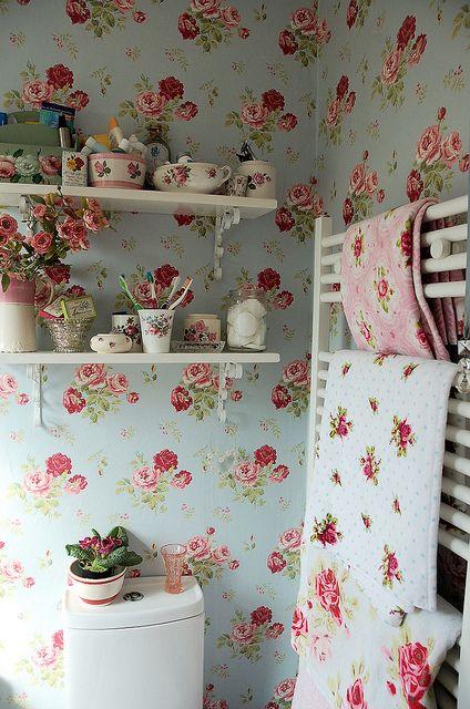 Lovely rose covered room