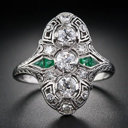 Art Deco diamond & emerald ring, circa 1930's.