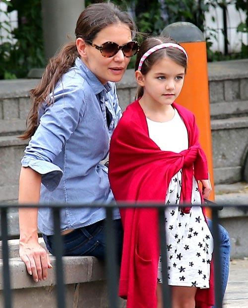 Suri, hija de Tom Cruise y Katie Holmes, prepara la vuelta al cole