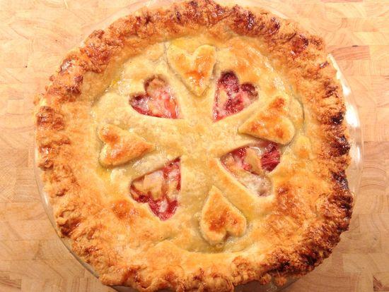 The Best Strawberry Rhubarb Pie