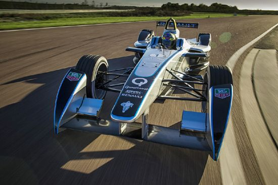 formula E's spark-renault electric race car debuts on track