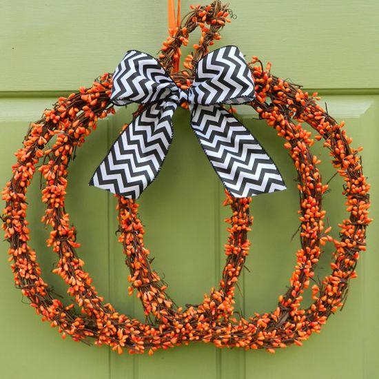 Pumpkin Wreath - Halloween Wreath - Black and Orange Wreath - Jack O Lantern Wreath