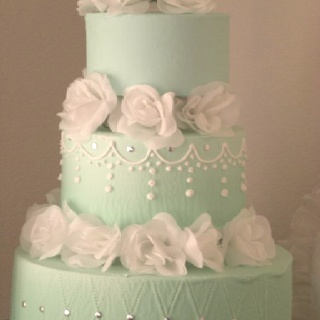 mint wedding cake, love!