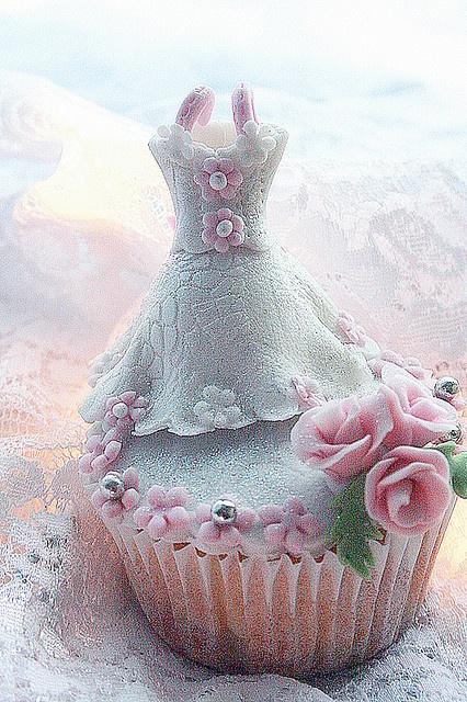 Bridal cupcake