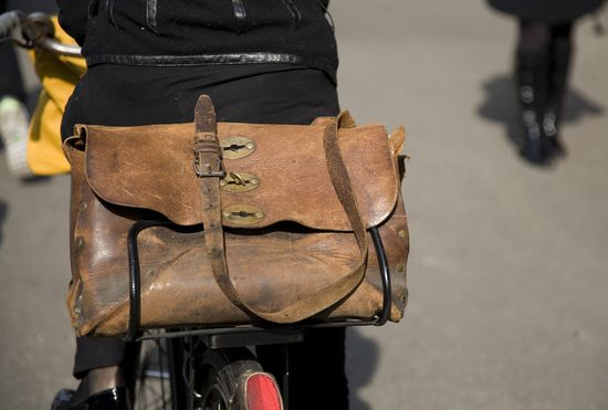 vintage leather bags ?