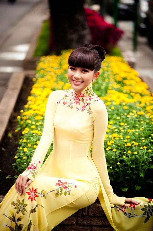 Ao Dai - A traditional Vietnamese dress