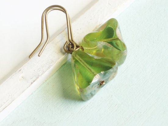 Peridot Green Earrings  Triangles  August by linkeldesigns
