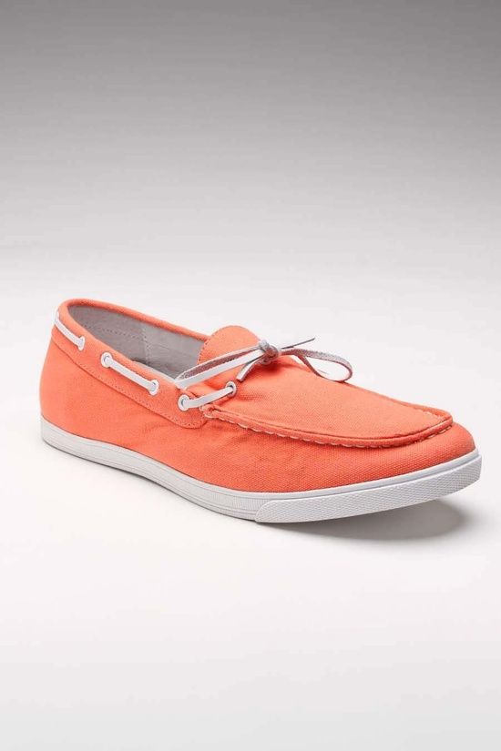 Adorable coral/orange boat shoes!