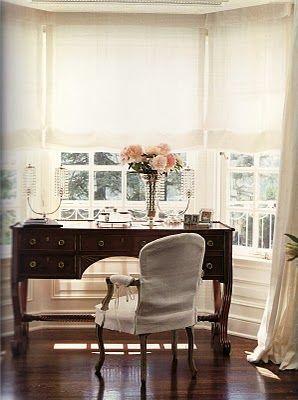 Makeup desk. Preferably in white.