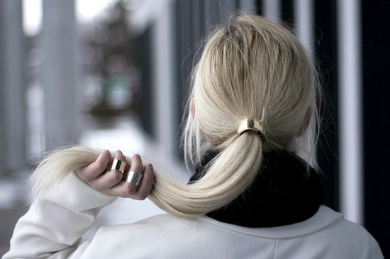 hair accessory (+rings)