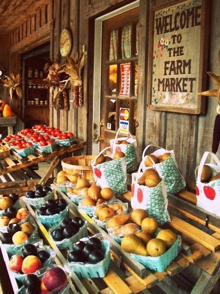 Rustic fall fruit stand. I want to run across one of these!