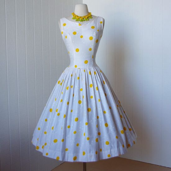 Sweet 1950's dotted dress