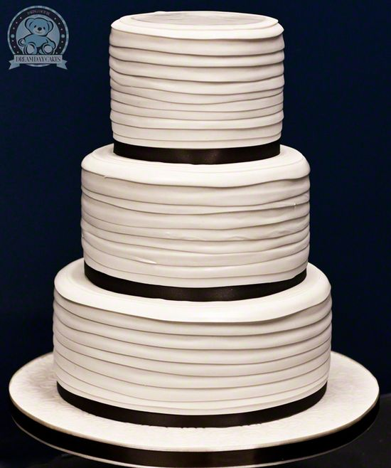 Dream Day Wedding Cake