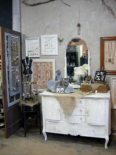 Cool jewelry display