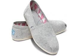 good to know / TOMS shoes outlet! More than half off!