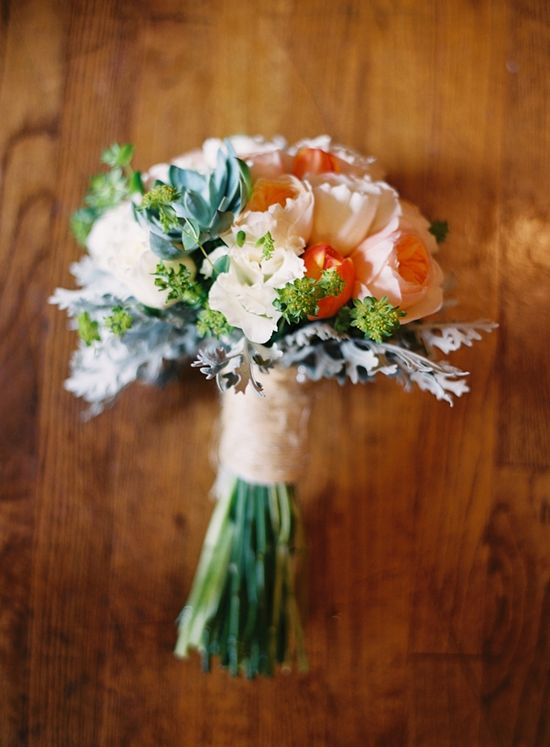 peach wedding bouquet // photo by Heather Hester // flowers by Holliday