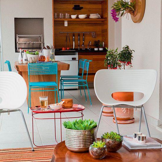 Todo charme de ter uma churrasqueira em casa. Veja como: www.casadevalenti... #decor #decoracao #interior #design #cozinha #kitchen #churrasqueira #casadevalentina