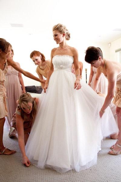 like the dress.