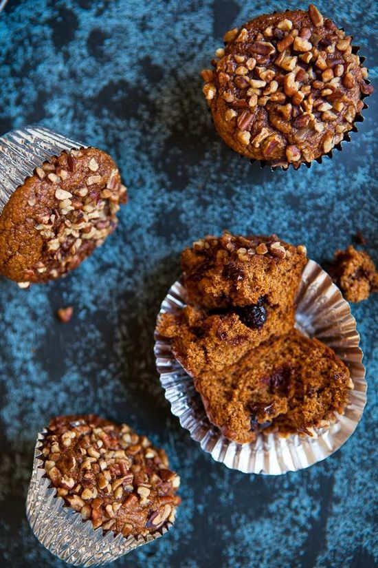 Pumpkin Muffins with Chocolate Chips / blog.jchongstudio... #glutenfree #paleo