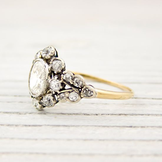 Vintage engagement ring. This is just too gorgeous.
