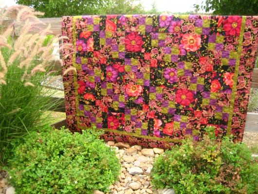 Floral Fusion Handmade Quilt. Pretty.