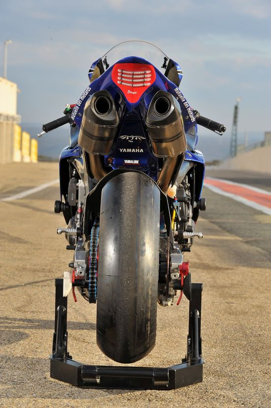 Yamaha YZF-R1 Team GMT94 2012
