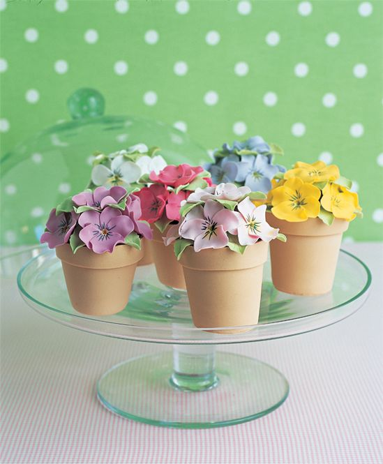 Lovely flower pot cakes by Peggy Porschen. Perfect for Mother's Day.