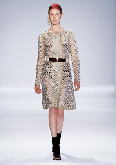 Golden Metallic Belt Trend forSpring Summer 2013.  Vivienne TamSpring Summer 2013.   #Fashion  #Accessory #Trends