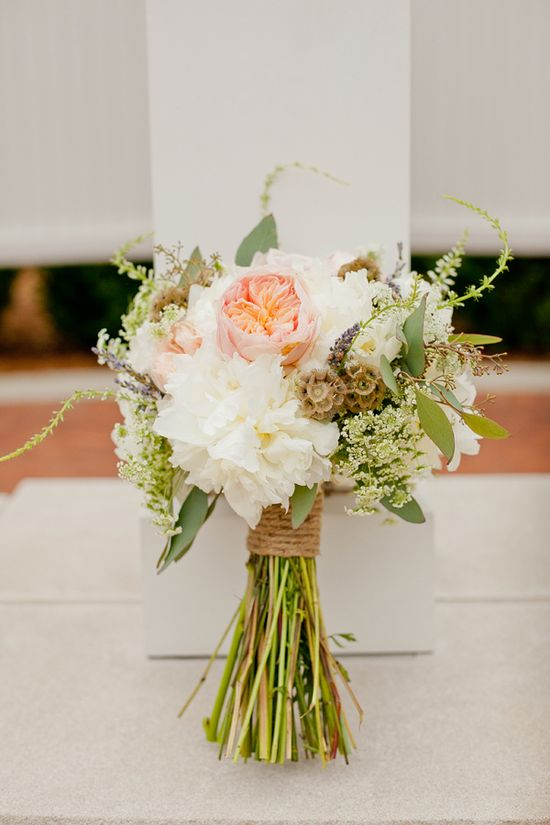 rustic wedding bouquet www.weddingchicks...