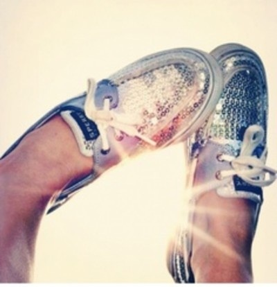 Glitter Sperry's for summer! Love these!! #glitter #shoes #summerstyle