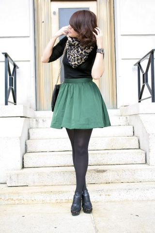 black tee, emerald skirt, black tights, black booties, leopard scarf