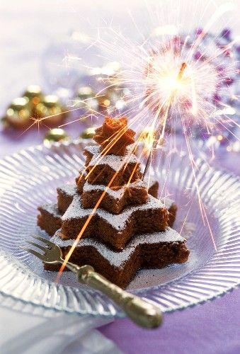 Christmas Tree Cake - what a cute idea...