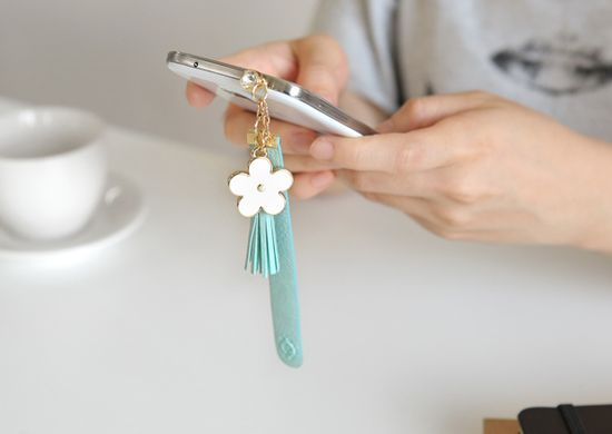 MochiThings.com: Beautiful Flower Strap Earphone Cap
