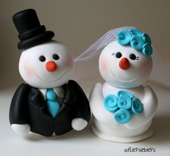 So cute for a winter wedding! Love it