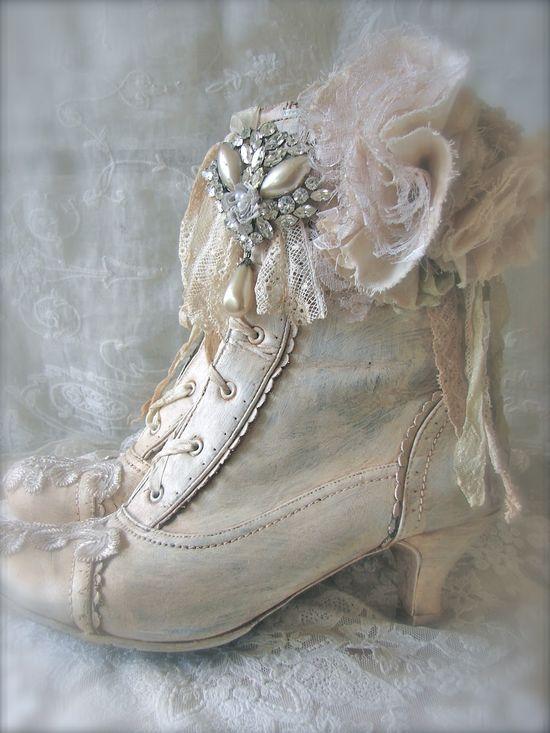 lace shoes  - popculturez.com