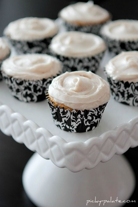 Sweet Potato Cupcakes with Cinnamon Sugar Cream Cheese Frosting
