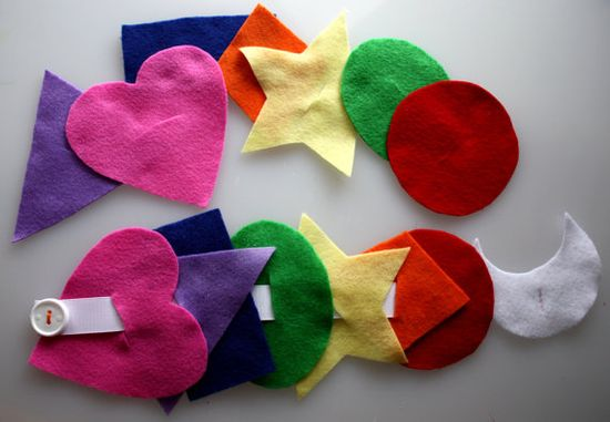 Preschool Activity Felt Button Snake - Shapes Busy Bag (what if I do this on ellis, laminate & do button w/ ribbon?)