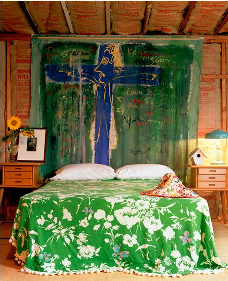 I love this crazy green bedspread.