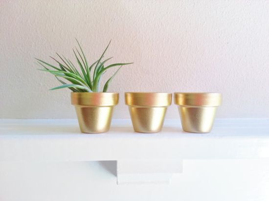 Gold Mini Planters - would be so easy to DIY