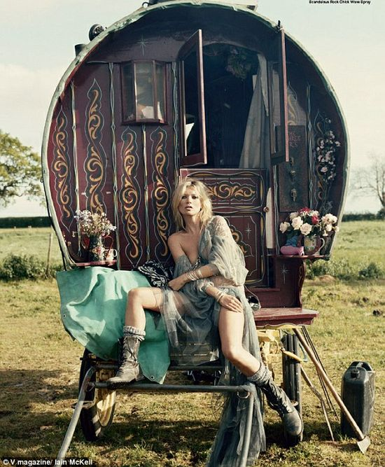 Kate moss gypsy photo shoot for v magazine
