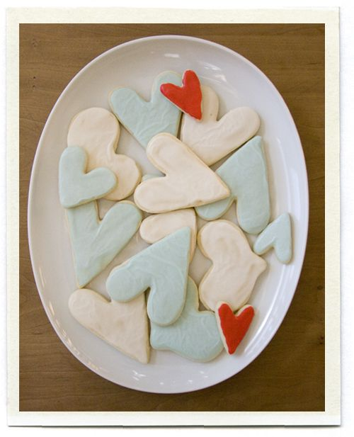 love the color of these heart cookies